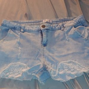 Super cute ladies shorts